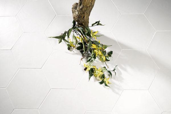 Valmori-ceramica-design-collezioni-tradizionale-LE-CRETE-CLASSIC-hexagon-terra-bianca-1