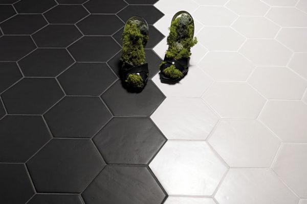 Valmori-ceramica-design-collezioni-tradizionale-LE-CRETE-CLASSIC-hexagon-terra-bianca-terra-nera-3