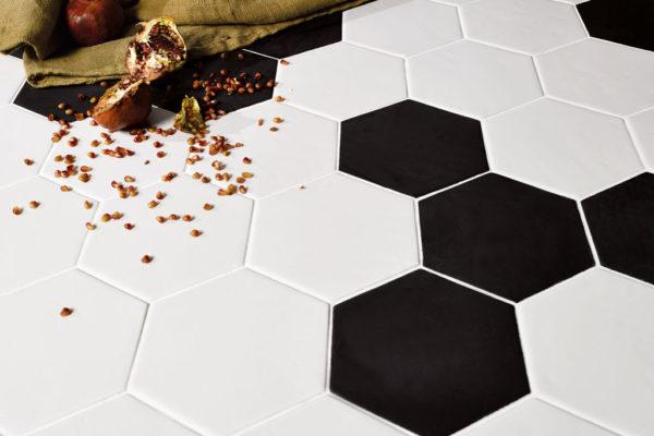 Valmori-ceramica-design-collezioni-tradizionale-LE-CRETE-CLASSIC-hexagon-terra-bianca-terra-nera-5